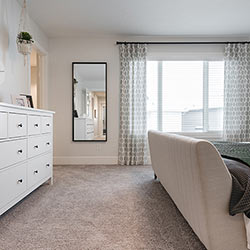 Master suite – Pacesetter Homes' front garage showhome